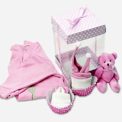 - 0-3 Ay Kız Bebeklere Özel Hediye Seti