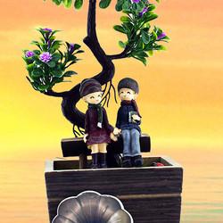 Ağacın Altındaki Sevgililer Dekoratif Biblo - Thumbnail