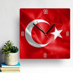 - Bayrak Tasarımlı Duvar Saati