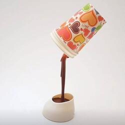 - Dökülen Kahve Görünümlü Masa Lambası