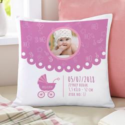 - Kız Bebeklere Özel Fotoğraflı Kare Yastık