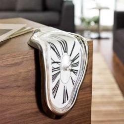 - Melting Clock- Eriyen Saat