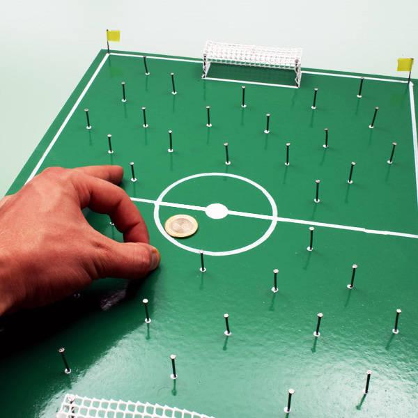 Nostaljik Çivili Futbol Sahası