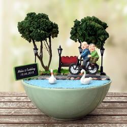 - Yaşlı Çiftler Gençliklerini Yaşıyor Minyatür Bahçe